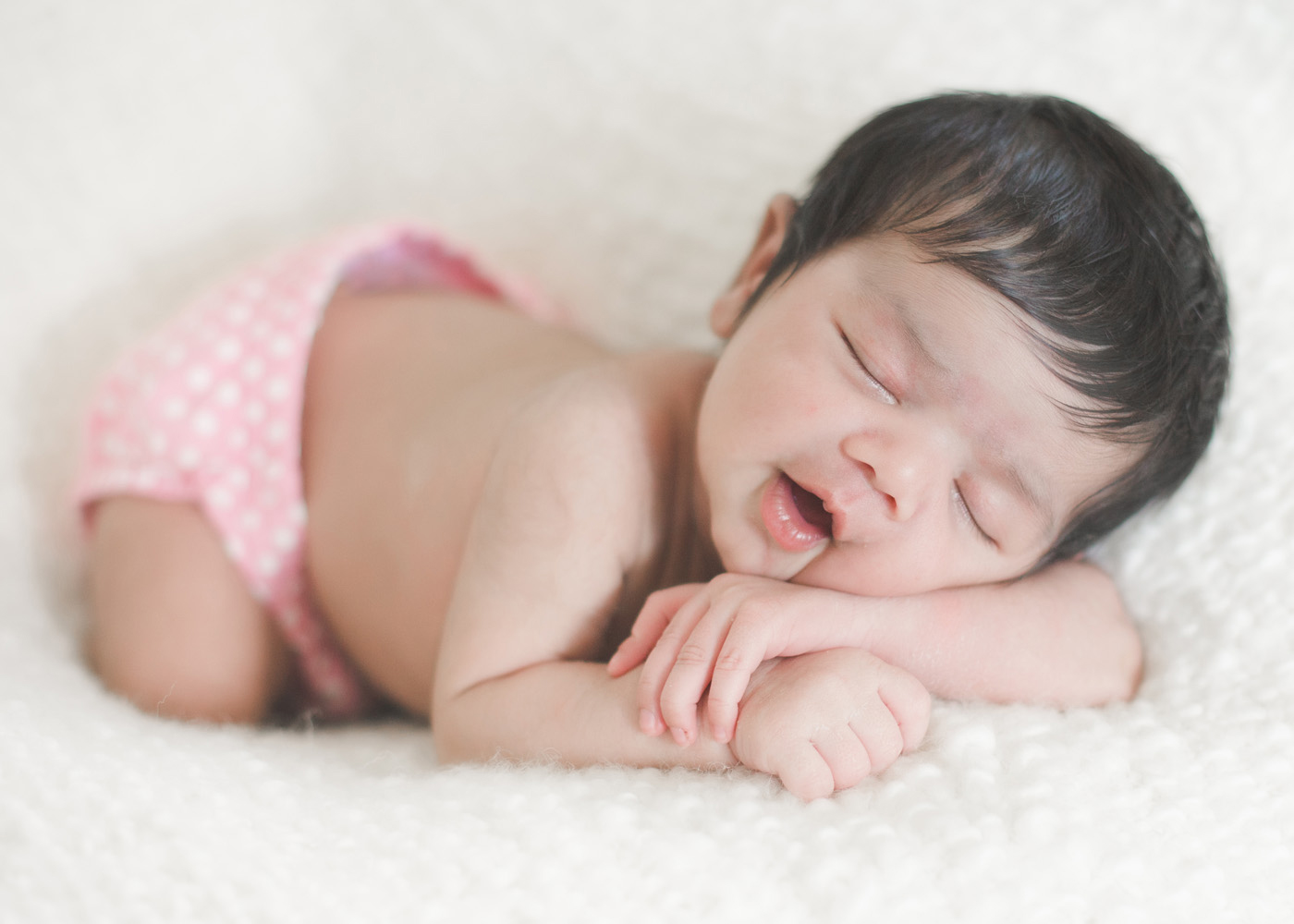 Newborn Care A newborn baby can feel small and fragile. Learn how to care for your newborn and find out what to do if your baby has colic, jaundice, or an umbilical hernia.